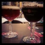"""Une """"Double de Westmalle"""" (bière trappiste rouge-brun foncé à fermentation secondaire en bouteille) et une """"Trappe Quadrupel"""" (bière trappiste ambrée, mûrie en fûts de chêne)"""