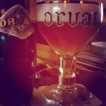 """""""Orval"""" (incontournable bière trappiste à fermentation haute – à Poechenellekelder."""