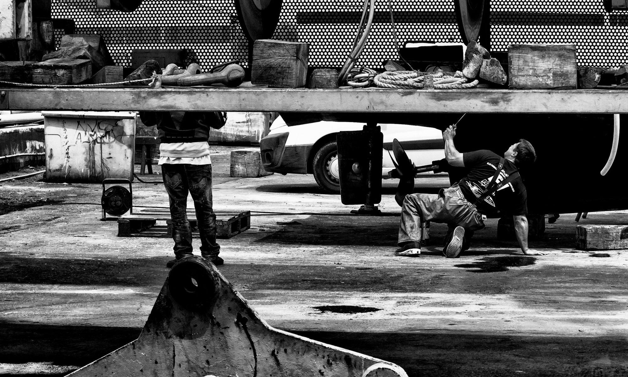 Fabrice Denis - BreakDance !!! Port de la Cotinière - Chantier naval - en cc sur Flickr - https://www.flickr.com/photos/fabricedenisphotography/28377198296/